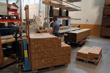 Trädelar till våra badtunnor tillverkas med avancerade CNC metoder