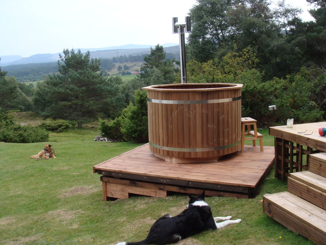 Vedeldad badtunna | Traditionella badtunnor i trä - SpaDealers
